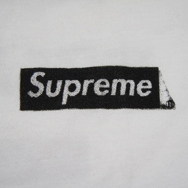 Supreme x Dover Street Market New York Exclusive Tee<img class='new_mark_img2' src='https://img.shop-pro.jp/img/new/icons47.gif' style='border:none;display:inline;margin:0px;padding:0px;width:auto;' />