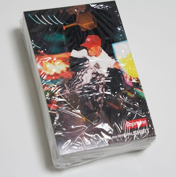 COMME des GARCONS SHIRT Supreme Harold Sticker<img class='new_mark_img2' src='//img.shop-pro.jp/img/new/icons16.gif' style='border:none;display:inline;margin:0px;padding:0px;width:auto;' />
