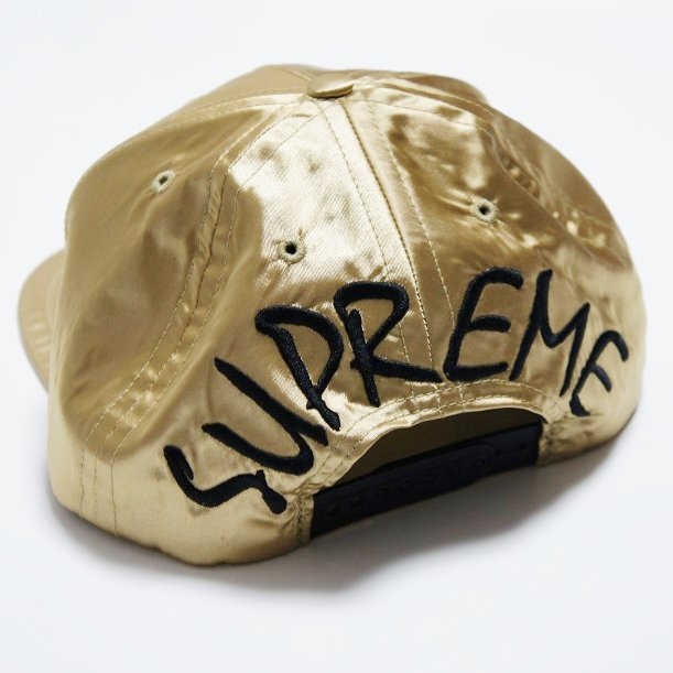 Supreme Satin Back Arc 5panel Cap<img class='new_mark_img2' src='//img.shop-pro.jp/img/new/icons47.gif' style='border:none;display:inline;margin:0px;padding:0px;width:auto;' />