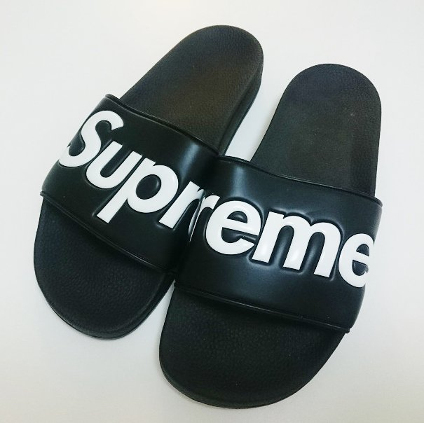 Supreme Sandals サンダル<img class='new_mark_img2' src='//img.shop-pro.jp/img/new/icons47.gif' style='border:none;display:inline;margin:0px;padding:0px;width:auto;' />