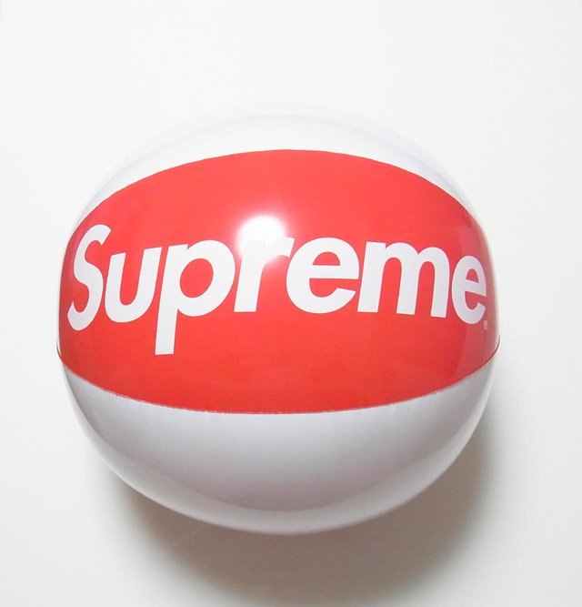 Supreme Inflatable Beach Ball<img class='new_mark_img2' src='//img.shop-pro.jp/img/new/icons47.gif' style='border:none;display:inline;margin:0px;padding:0px;width:auto;' />