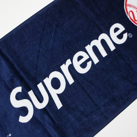 Supreme New York Yankees Towel<img class='new_mark_img2' src='//img.shop-pro.jp/img/new/icons47.gif' style='border:none;display:inline;margin:0px;padding:0px;width:auto;' />