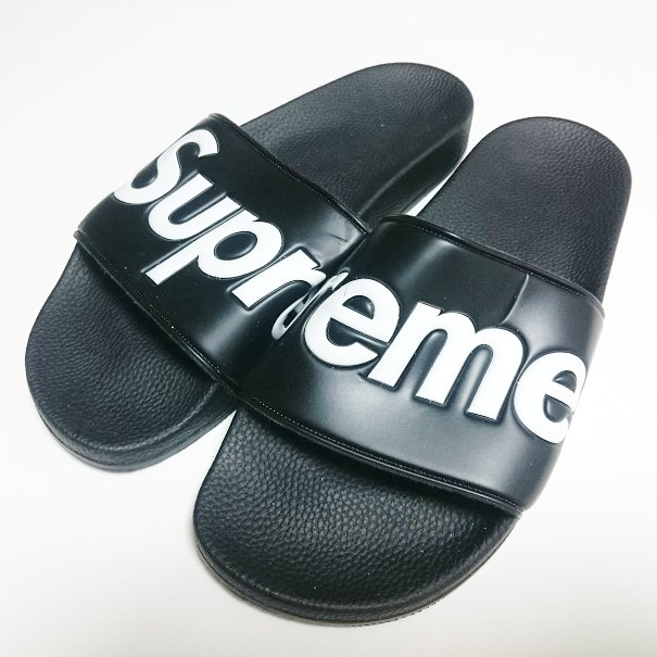 Supreme Sandals サンダル<img class='new_mark_img2' src='//img.shop-pro.jp/img/new/icons16.gif' style='border:none;display:inline;margin:0px;padding:0px;width:auto;' />