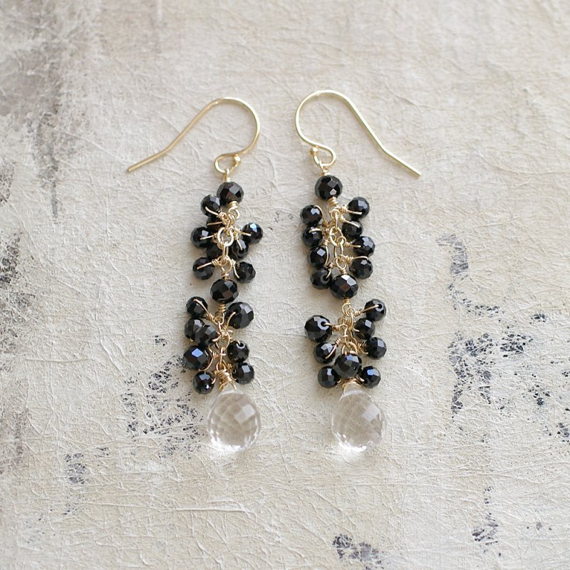 yamabudo : Black Spinel , Crystal(earring)