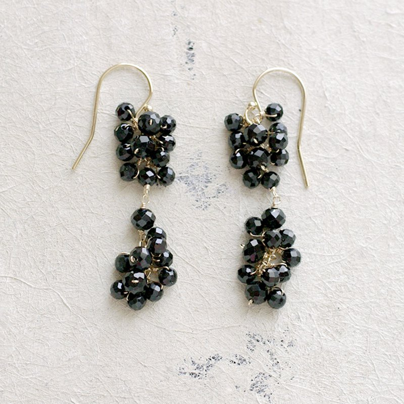yamabudo : Black Spinel Tama2(earring)
