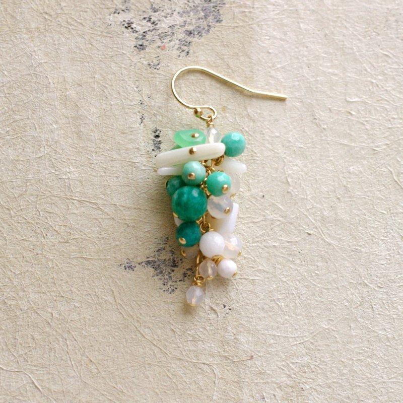 fusa : green Bouquet / 花 短房(earring)片耳・両耳