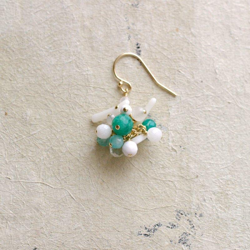 fusa : green Bouquet / 花 玉房(earring)片耳・両耳