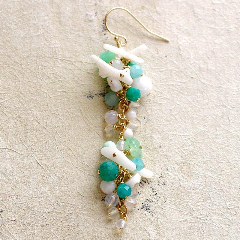 fusa : green Bouquet / 花 長々房(earring)片耳・両耳