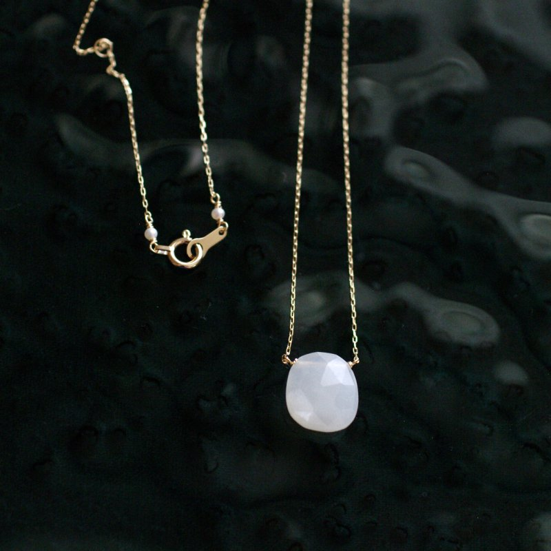 namida : white Moonstone 19b(necklace)