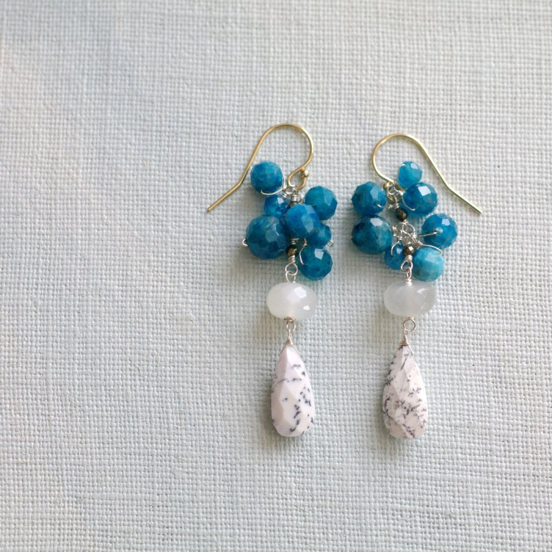 fusa : blue & white(earring)