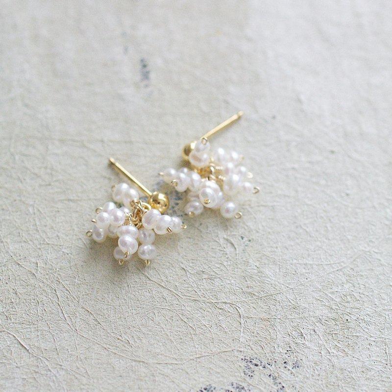 Tiny Pearl ぱっと咲く(earring)