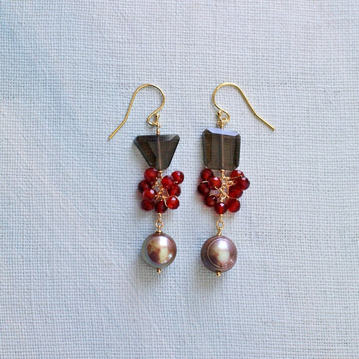 red, and brown(earring)