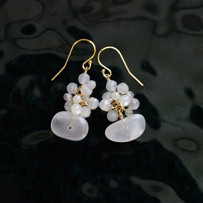 white Moon S(earring)