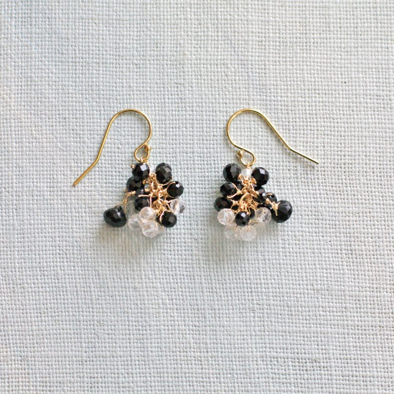 yamabudo : black Spinel , Crystal Tama(earring)