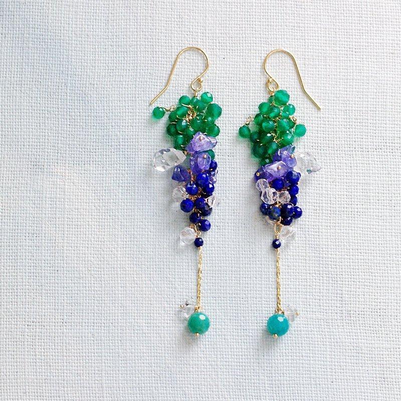 yamabudo : 緑と透明と瑠璃の房(earring)
