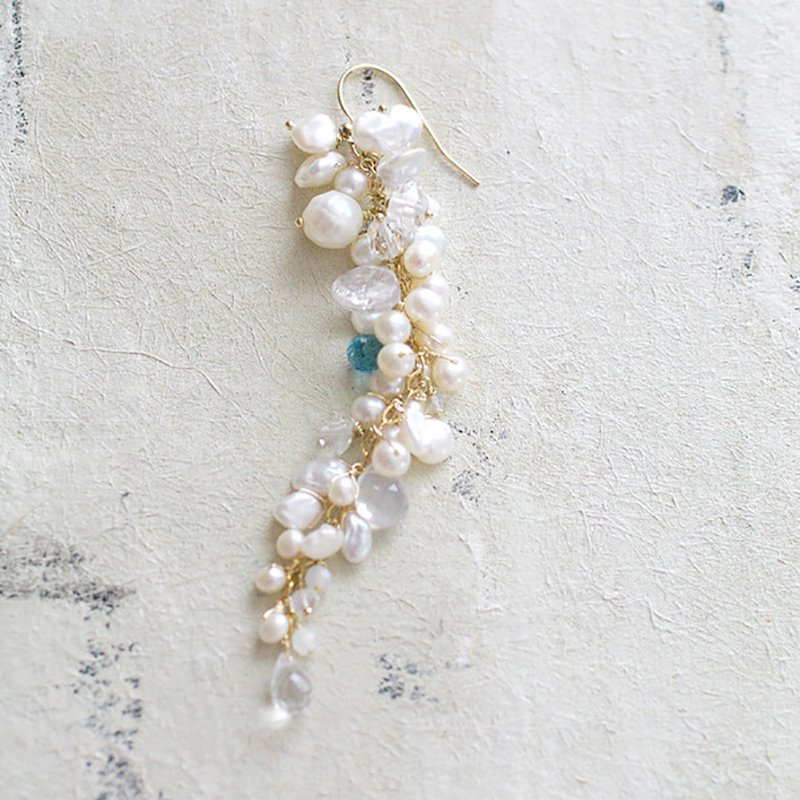 fusa : White Bouquet _ Something Blue / L(earring)