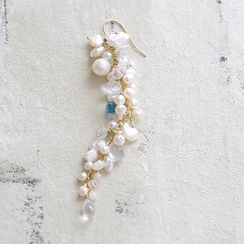 fusa : White Bouquet _ Something Blue / L(earring)