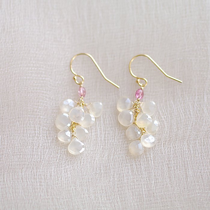 fusa : WhiteChalcedony(earring)