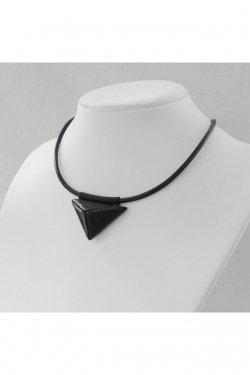 【※受注商品・11月下旬 お届け予定】BLACK TRIANGLE DESIGN - TRIANGULAR pyramid mini necklace (BLACK)