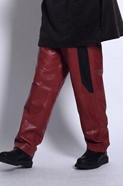 【受注商品・12月上旬〜12月下旬 お届け予定】MUZE - LEATHER SLACKS (RED)