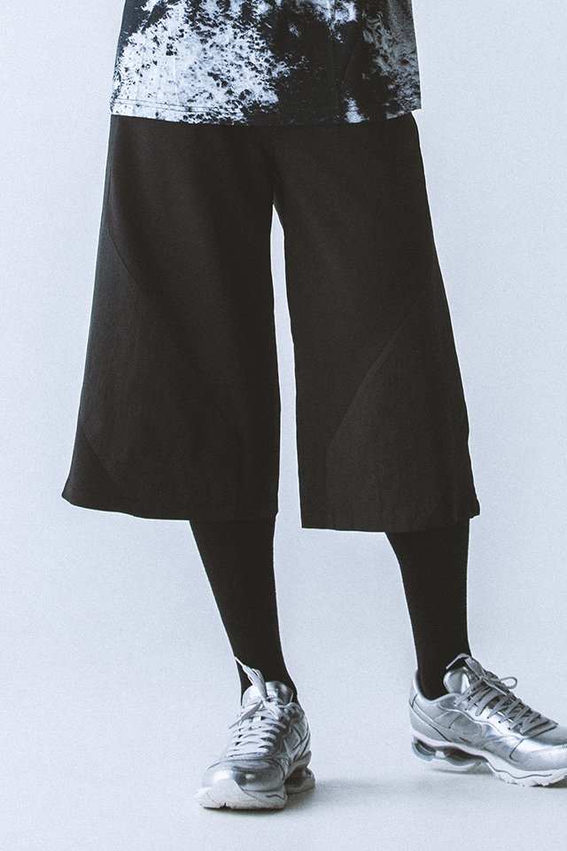 <img class='new_mark_img1' src='https://img.shop-pro.jp/img/new/icons20.gif' style='border:none;display:inline;margin:0px;padding:0px;width:auto;' />【20%OFF】PARADOX - GAUCHO PANTS(BLACK)パラドックス ガウチョパンツ
