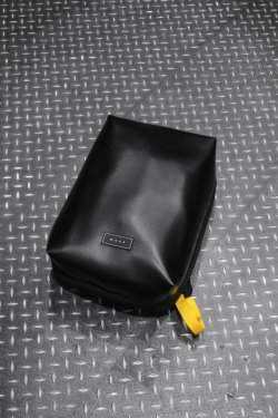 MUZE × beruf baggage - PVC BACK PACK (BLACK×YELLOW)