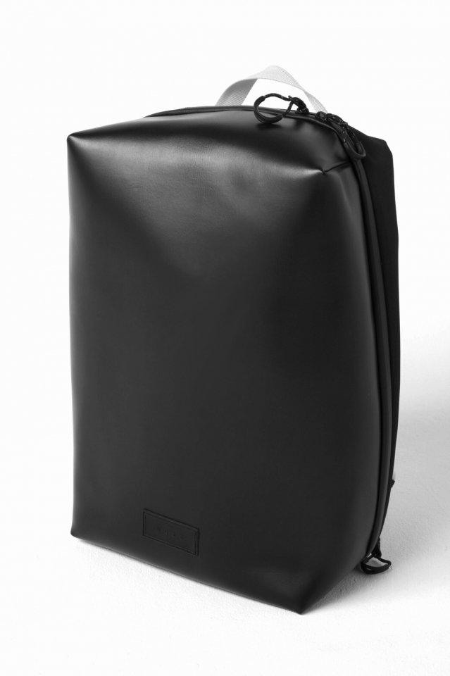 MUZE × beruf baggage - PVC BACK PACK (BLACK×WHITE)