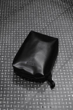 MUZE × beruf baggage - PVC BACK PACK (BLACK×BLACK)
