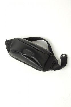 MUZE × beruf baggage - PVC BODY BAG (BLACK×BLACK)
