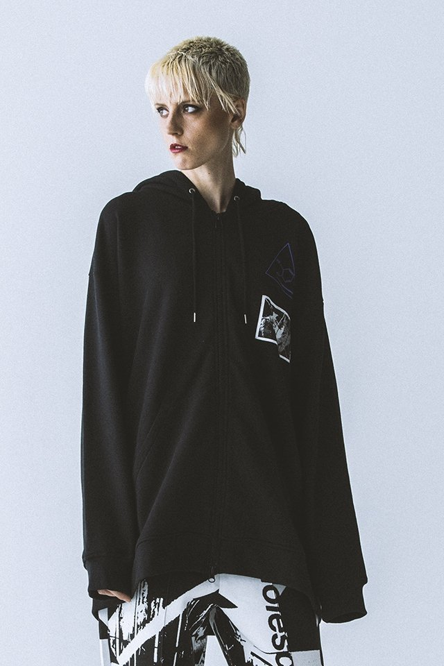 <img class='new_mark_img1' src='https://img.shop-pro.jp/img/new/icons20.gif' style='border:none;display:inline;margin:0px;padding:0px;width:auto;' />【40%OFF】PARADOX - ZIP PARKA (BLACK) パラドックス ジップパーカー