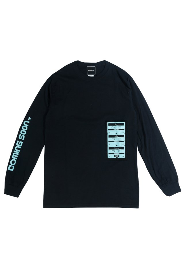 "reGretGirl × H>FRACTAL -""COMING SOON"" L/S TEE(BLACK)"
