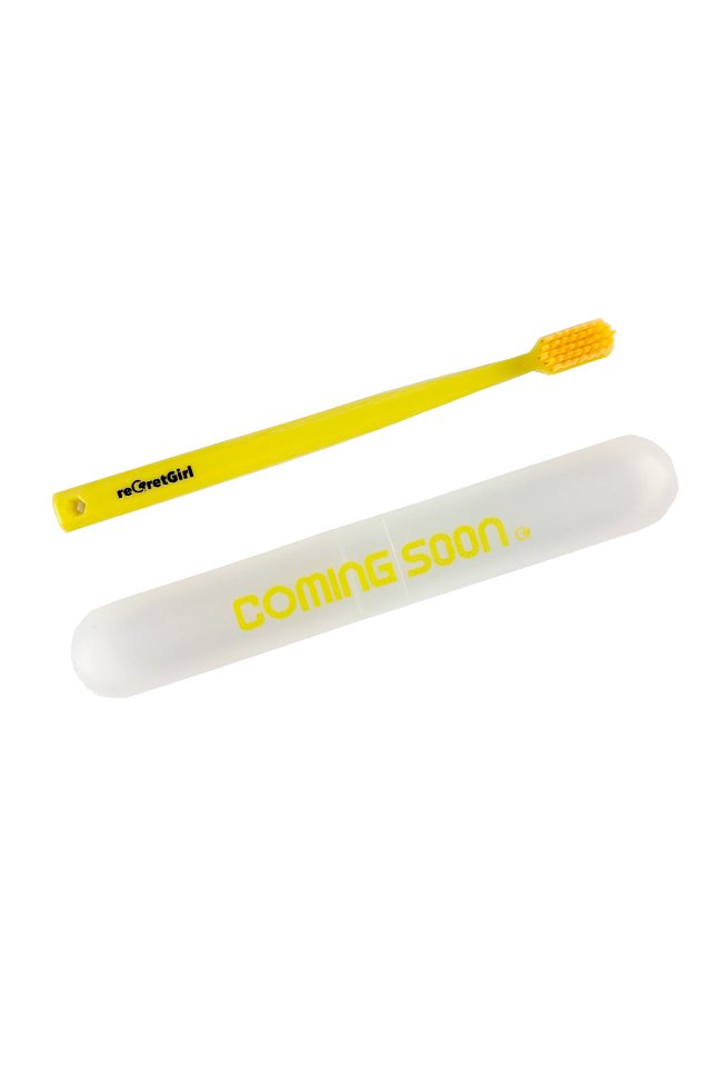 "reGretGirl × H>FRACTAL -""COMING SOON"" Toothbrush set"