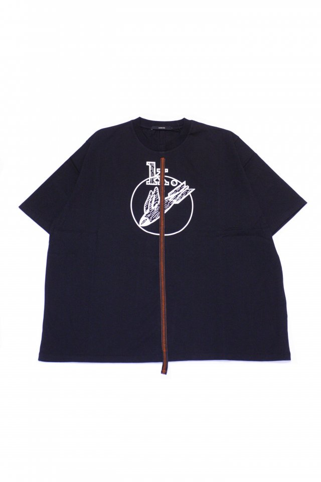 <img class='new_mark_img1' src='https://img.shop-pro.jp/img/new/icons1.gif' style='border:none;display:inline;margin:0px;padding:0px;width:auto;' />KOMAKINO - DISCHARGE T-SHIRT(BLACK) コマキノ S/S2020 collection