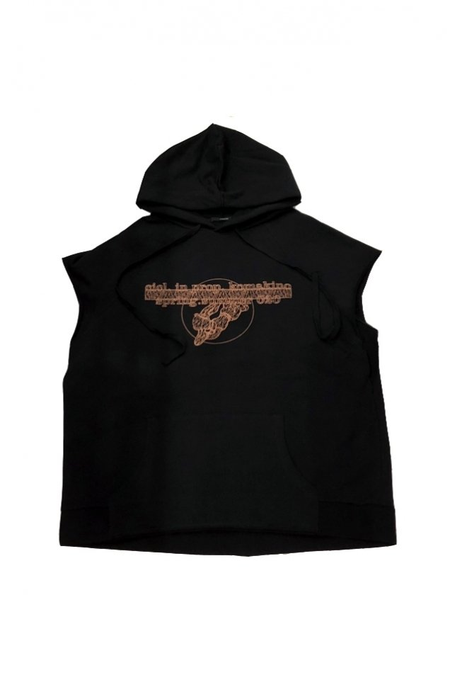 <img class='new_mark_img1' src='https://img.shop-pro.jp/img/new/icons1.gif' style='border:none;display:inline;margin:0px;padding:0px;width:auto;' />KOMAKINO - DISCHARGE SLEEVELESS HOODIE (BLACK) コマキノ S/S2020 collection