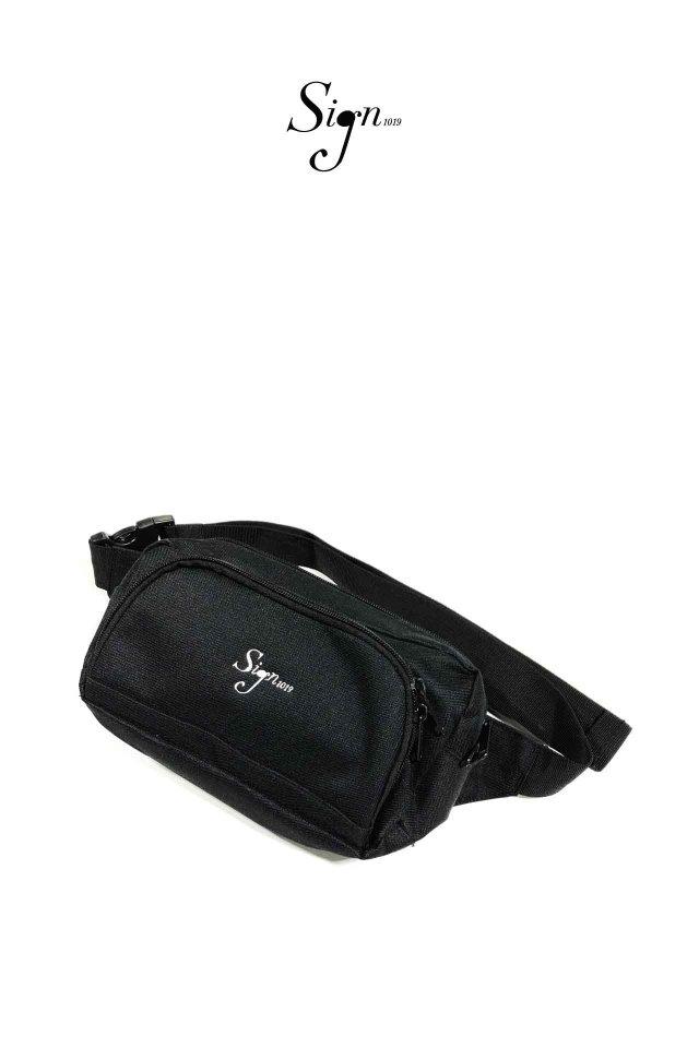 【先行予約アイテム限定商品12月中旬-12月下旬お届け予定】Sign1019 - Sign1019 embroidery BODY BAG(BLACK/WHITE)