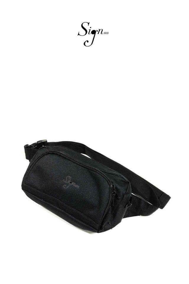 【先行予約アイテム限定商品12月中旬-12月下旬お届け予定】Sign1019 - Sign1019 embroidery BODY BAG(BLACK/BLACK)