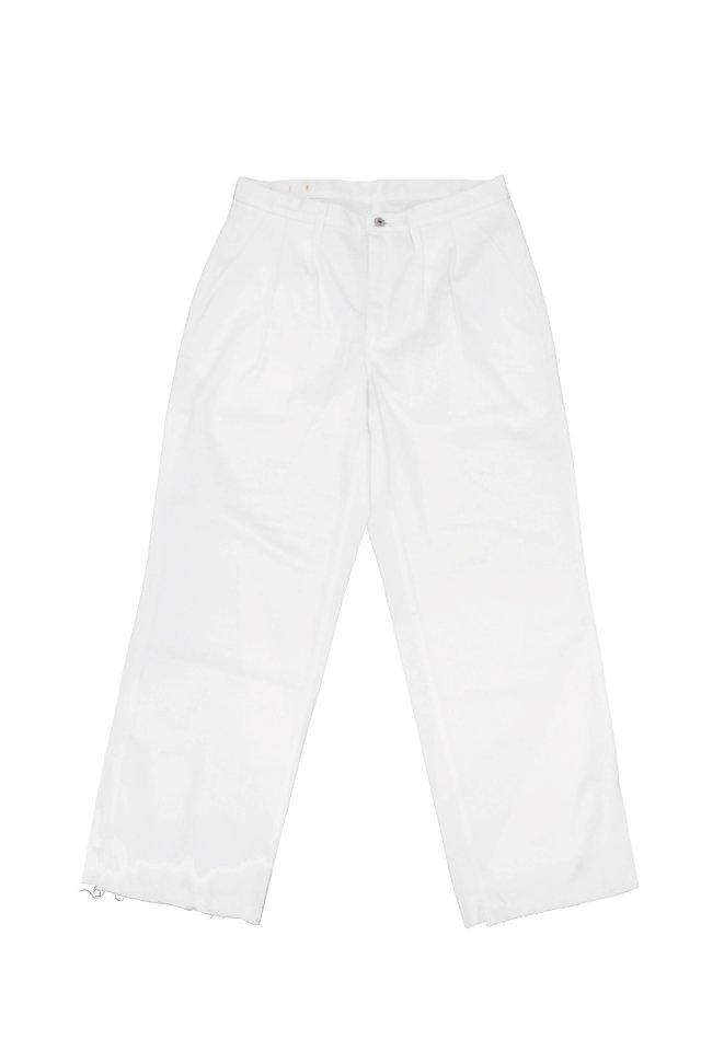 H>FRACTAL - WHITE DENIM TUCK TROUSERS(WHITE)