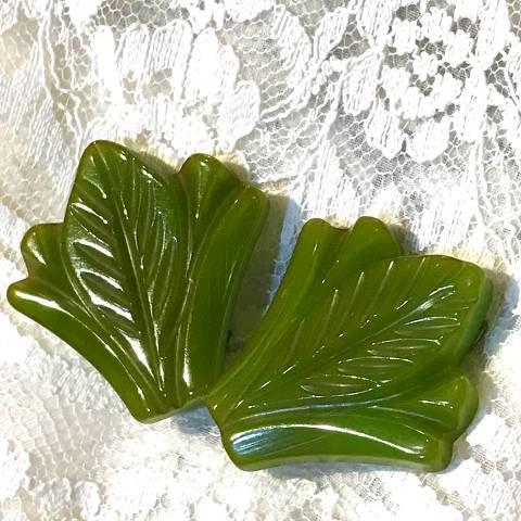 Green Leaf Bakelite Dress Clip