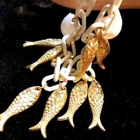 "<img class='new_mark_img1' src='//img.shop-pro.jp/img/new/icons13.gif' style='border:none;display:inline;margin:0px;padding:0px;width:auto;' />""Napier"" Fish & Shell Charm Bracelet"