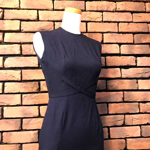 <img class='new_mark_img1' src='//img.shop-pro.jp/img/new/icons13.gif' style='border:none;display:inline;margin:0px;padding:0px;width:auto;' />Navy Cross Belted Dress