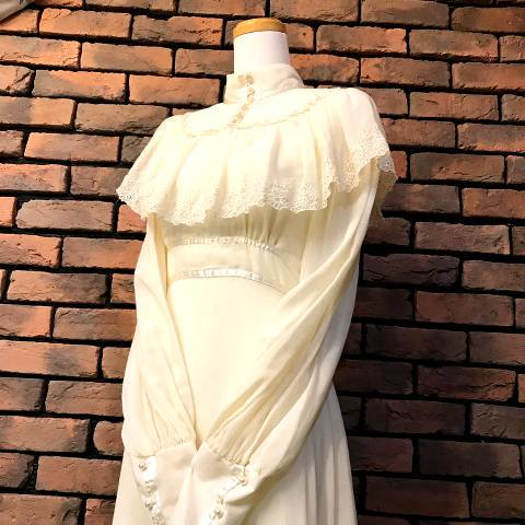 "<img class='new_mark_img1' src='//img.shop-pro.jp/img/new/icons13.gif' style='border:none;display:inline;margin:0px;padding:0px;width:auto;' />""GUNNE SAX"" Wedding Dress"