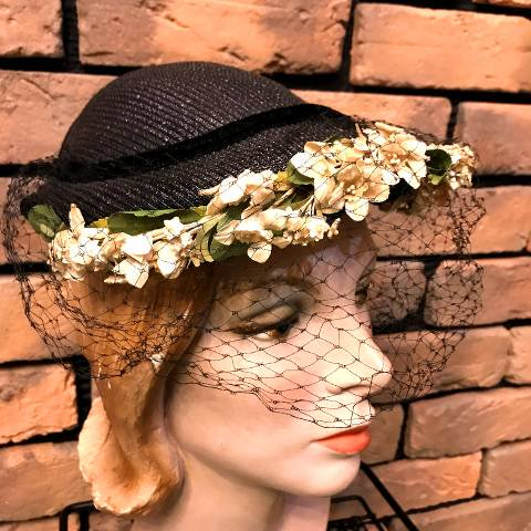 <img class='new_mark_img1' src='//img.shop-pro.jp/img/new/icons13.gif' style='border:none;display:inline;margin:0px;padding:0px;width:auto;' />Flower & Veil Black Headdress