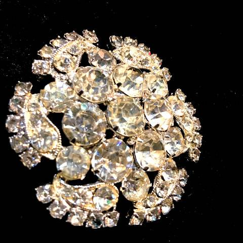 """<img class='new_mark_img1' src='https://img.shop-pro.jp/img/new/icons13.gif' style='border:none;display:inline;margin:0px;padding:0px;width:auto;' />""""WEISS"""" Rhinestone Brooch"""