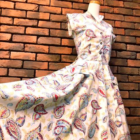 <img class='new_mark_img1' src='//img.shop-pro.jp/img/new/icons13.gif' style='border:none;display:inline;margin:0px;padding:0px;width:auto;' />Paisley Cotton Flare Dress