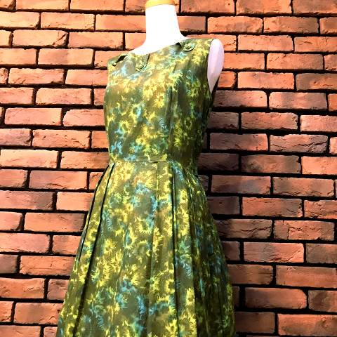 "<img class='new_mark_img1' src='//img.shop-pro.jp/img/new/icons13.gif' style='border:none;display:inline;margin:0px;padding:0px;width:auto;' />""Marta'D"" Green Floral Dress"