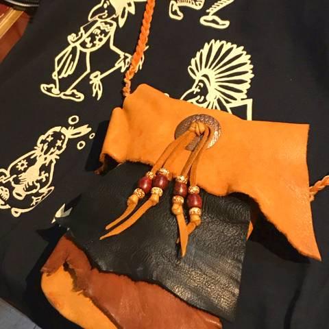 Leather Shoulder Bag w/Concho