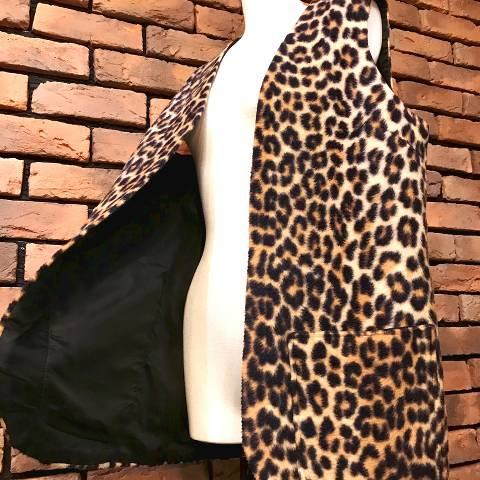 <img class='new_mark_img1' src='https://img.shop-pro.jp/img/new/icons13.gif' style='border:none;display:inline;margin:0px;padding:0px;width:auto;' />Leopard Fur Vest
