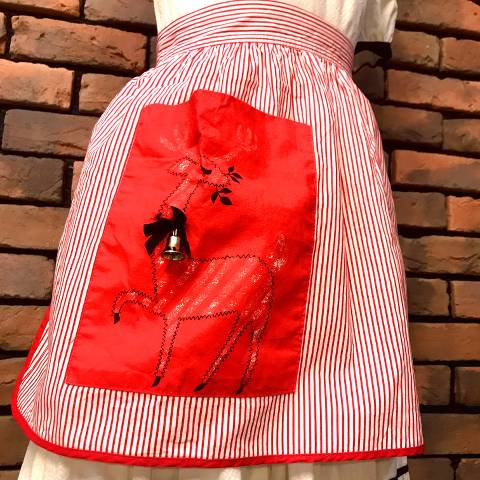 <img class='new_mark_img1' src='https://img.shop-pro.jp/img/new/icons13.gif' style='border:none;display:inline;margin:0px;padding:0px;width:auto;' />Reindeer Candy Striped Apron
