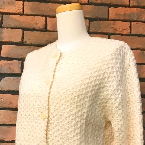 "<img class='new_mark_img1' src='https://img.shop-pro.jp/img/new/icons13.gif' style='border:none;display:inline;margin:0px;padding:0px;width:auto;' />""MAJESTIC"" Ivory Wool Cardigan"