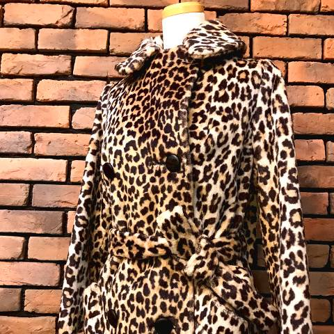<img class='new_mark_img1' src='https://img.shop-pro.jp/img/new/icons13.gif' style='border:none;display:inline;margin:0px;padding:0px;width:auto;' />Leopard Fur Coat w/Belt